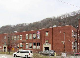 Chapmanville Grade School